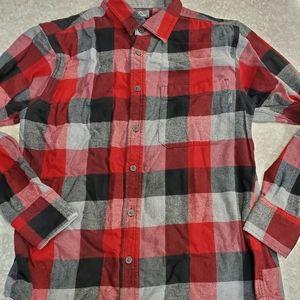 🤴👔 Eddie Bauer flannel plaid shirt size M